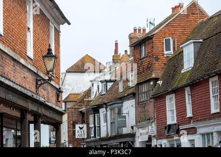 Partly tiled facade in High St in Rye, East Sussex, England, UK - Stock Image