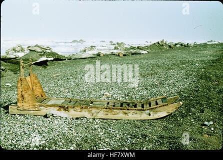 Simple dog sledge at the coast; Point Barrow, Alaska. - Stock Image