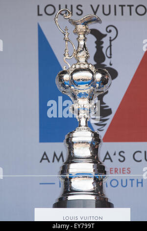Portsmouth, UK. 23rd July 2015. The America's Cup in position on the main stage at the fanzone ready for it's - Stock Image