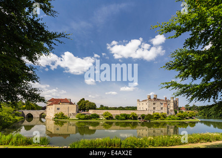 Leeds Castle - The Loveliest Castle in the World - Stock Image