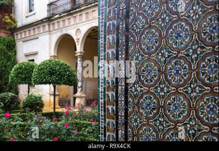 Wall tiles at Casa de Pilatos (Pilate's House), a Mudejar style palace used by the Dukes of Medinaceli, Seville, Spain - Stock Image