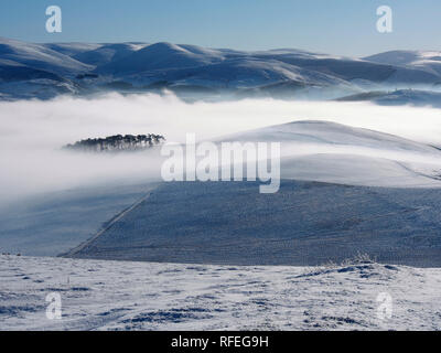 Snowy Southern Uplands from Langlaw hill, near Broughton, Scotland - Stock Image