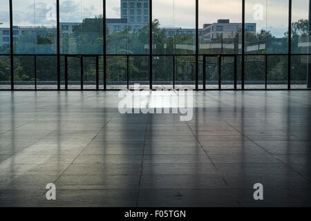 Neue Nationalgalerie in Berlin before renovation/restauration. Empty inner hall. - Stock Image