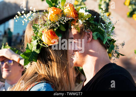 A couple at the Swedish Midsummer Festival, held annually in Battery Park City's Wagner Park. June 21, 2019 - Stock Image