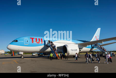 TUI Airways Boeing 787 Dreamliner at Saint Lucia Airport. - Stock Image