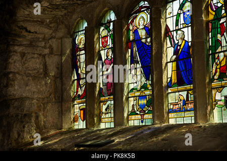 UK, Yorkshire, Wharfedale, Hubberholme, Church of St Michael, de Percy window, Pray for William de Percy and Joan his Wife - Stock Image