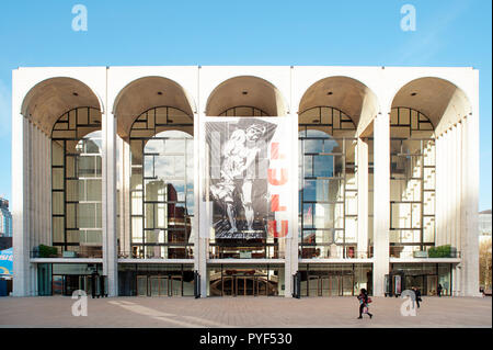 Met Opera House, on Broadway at Lincoln Square, on the Upper West Side, with a poster of Alban Berg's 'Lulu' opera, New York City, USA - Stock Image