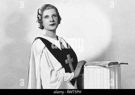 AIMEE SEMPLE mcPHERSON (1890-1944) Canadian-American Pentacostal evangelist - Stock Image