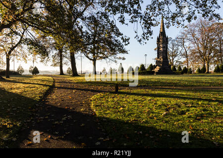 Early morning sunshine on Wallace Memorial in grounds of  Castle Gardens, Lisburn, N.Ireland. - Stock Image