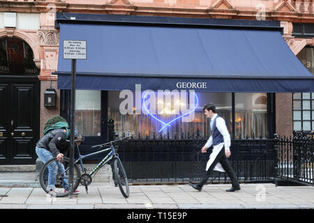 George Restaurant on South Audley Street, Mayfair, London, England, UK - Stock Image