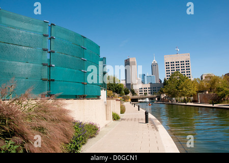 USA, Indiana, Indianapolis, downtown Canal Walk with public art and architectural features. - Stock Image