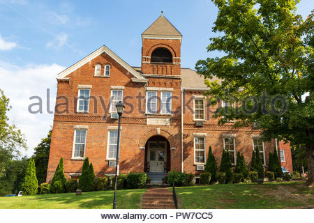 Greeneville, TN, USA-10-2-18: The old Greeneville Public School building, in downtown. - Stock Image