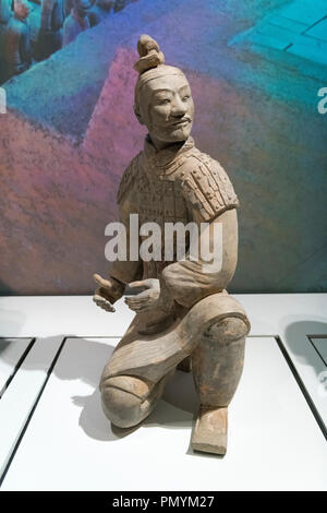 Liverpool William Brown Street World Museum China's First Emperor & The Terracotta Warriors Exhibition Kneeling Archer Qin Dynasty - Stock Image
