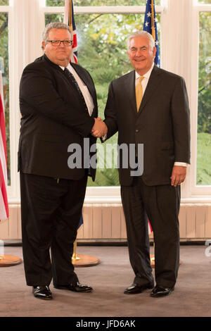 U.S. Secretary of State Rex Tillerson meets with New Zealander Foreign Minister Gerry Brownlee in Wellington, New - Stock Image