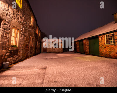 Wirksworth, Derbyshire Dales. 19th Jan 2019. UK Weather: snow fall at Hatfield Farm, Wirksworth in the Derbyshire Dales, Peak District National Park, UK Credit: Doug Blane/Alamy Live News Credit: Doug Blane/Alamy Live News - Stock Image