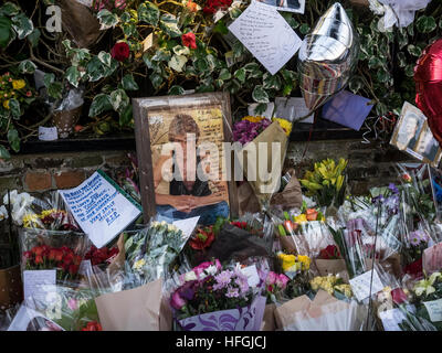 George Michael memorial outside his house in Highgate - Stock Image