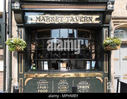 The Market Tavern pub within the market place in Durham City, Co. Durham, England, UK - Stock Image