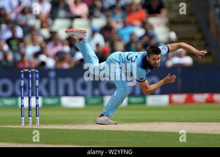 Birmingham, UK. Birmingham, UK. 11th July 2019; Edgbaston, Midlands, England; ICC World Cup Cricket semi-final England versus Australia; Mark Wood bowls Credit: Action Plus Sports Images/Alamy Live News - Stock Image