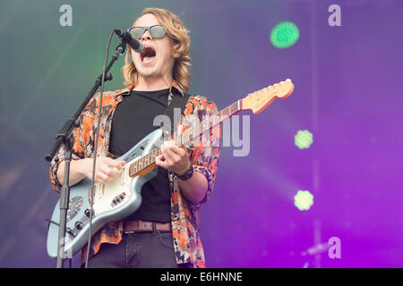 Southsea, UK. 24th Aug, 2014. Victorious Festival - Sunday, Southsea, Hampshire, England. Rowan Bastable of Kassassin - Stock Image