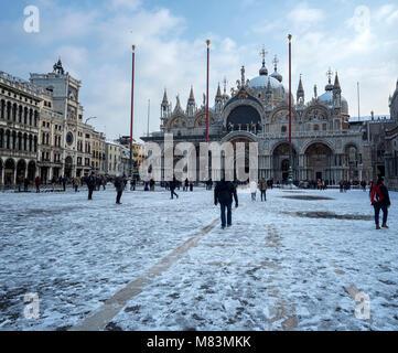 Italy, in winter: snow in St Mark's Square, Venice - Stock Image