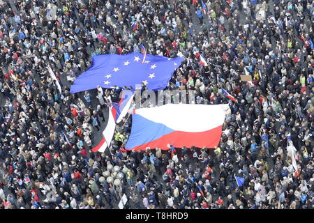 Prague, Czech Republic. 13th May, 2019. About 20,000 people attend third demonstration against PM Babis and new Justice Minister Benesova in the centre of Prague, Czech Republic, May 13, 2019. Credit: Katerina Sulova/CTK Photo/Alamy Live News - Stock Image