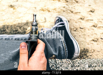 ecig addiction young people electronic cigarette electric smoker vaping - Stock Image