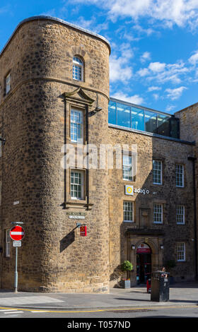 The former Old Sailors Ark building, now a hotel, 231 Canongate, Royal Mile, Edinburgh, Scotland, UK - Stock Image