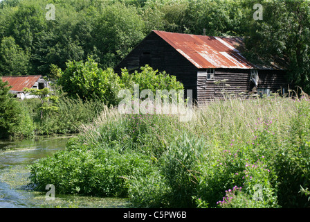 Old Farm Building on the River Chess, Hertfordshire. - Stock Image