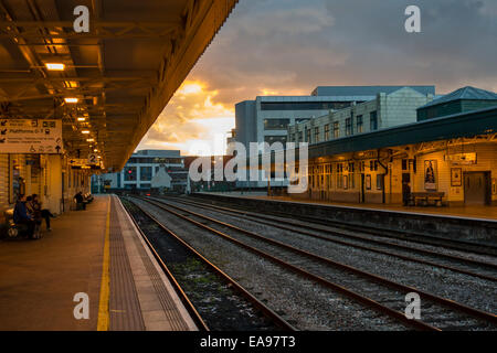 Cardiff Central station with no train at platform in the evening - Stock Image