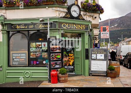 Northern Ireland, Co Down, Newcastle, Main Street, Quinns Bar - Stock Image