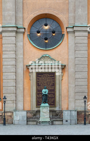 Statue at Stockholm Palace (Royal Palace) in Stockholm, Sweden. The official residence and the major royal palace of the Swedish monarch. - Stock Image