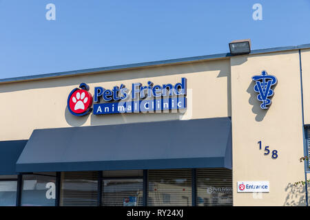 Pet's Friend Animal Clinic: Sunnyvale Vet & Animal Hospital; Sunnyvale, California, USA - Stock Image