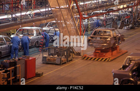 Assembly line in an Austin Rover UK car factory - Stock Image