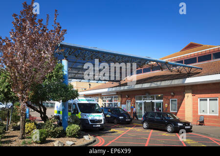 Main entrance exterior to Worthing Hospital West Sussex - Stock Image