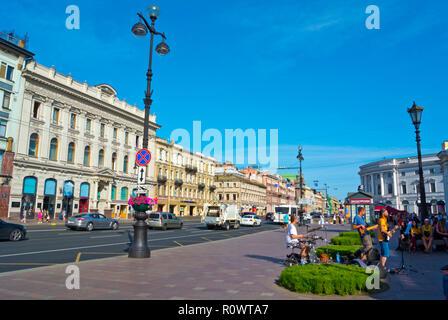 Nevsky Prospekt, at Gostiny Dvor, Saint Petersburg, Russia - Stock Image