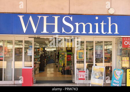 WHSmith shop front, Gloucester, Eastgate Street. - Stock Image