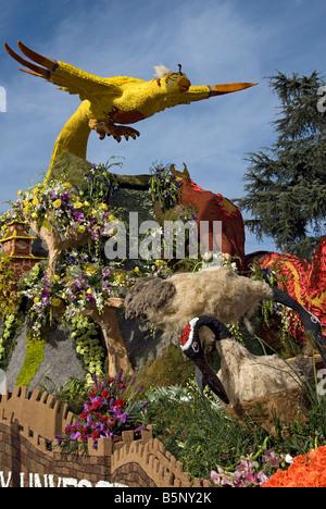 Pasadena CA California Rose Parade Float Fantasy Trophy 'Guardians of Harmony' Cal Poly Universities Self - Stock Image