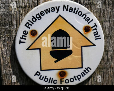 The Ridgeway National Trail Sign, on Gatepost, Little Stoke, Oxfordshire, England, UK, GB. - Stock Image