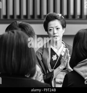 Actress and former takarazuka star (Yuga Yamato, 大和 悠河) visits the Sensō-ji temple in Asakusa, Tokyo - Stock Image