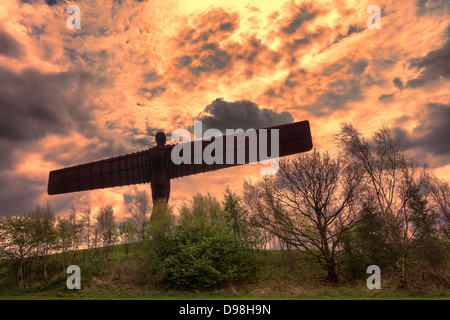 Angel of the North. Antony Gormley's 20 metre tall iconic work at Gateshead, Tyne and Wear, England, close to - Stock Image