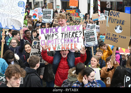 Brighton, UK. 15th Mar, 2019. Students and schoolchildren in Brighton take part in the second Youth Strike 4 Climate protest today as part of a co-ordinated day of global action. Thousands of students and schoolchildren are set to go on strike at 11am today as part of a global youth action protest over climate change Credit: Simon Dack/Alamy Live News - Stock Image