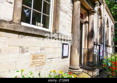Old court house Ripon Yorkshire, Old court house building Ripon City, Ripon Old court house, building exterior, Ripon, old court house, Yorkshire, UK - Stock Image