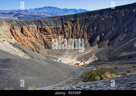 USA, California, Death Valley National Park. Ubehebe Crater. - Stock Image