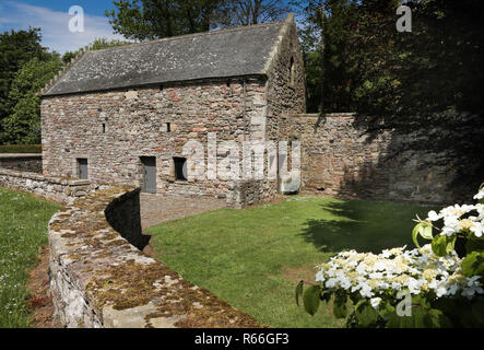 Foulden tithe barn - Stock Image