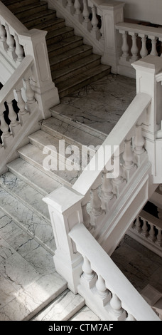 White marble staircase in Raffle's Hotel, Singapore - Stock Image