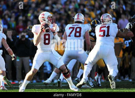 Pasadena, CA. 01st Jan, 2016. Stanford Cardinal quarterback Kevin Hogan #8 passes in the 1st half during the 2016 - Stock Image