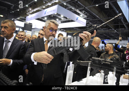 Brno, Czech Republic. 29th May, 2019. Czech PM Andrej Babis, from left, Defence Minister Lubomir Metnar visit the international trade fair of defence and security technology IDET, trade fair of security technology and services ISET and trade fair of firefighting technology PYROS in Brno, Czech Republic, May 29, 2019. Credit: Igor Zehl/CTK Photo/Alamy Live News - Stock Image