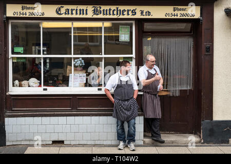Presteigne, Powys, UK. Local people watching the annual carnival procession along the high street of this small town in mid-Wales - Stock Image