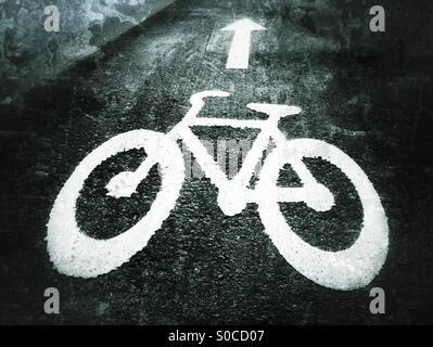 Cycle sign on the road. - Stock Image