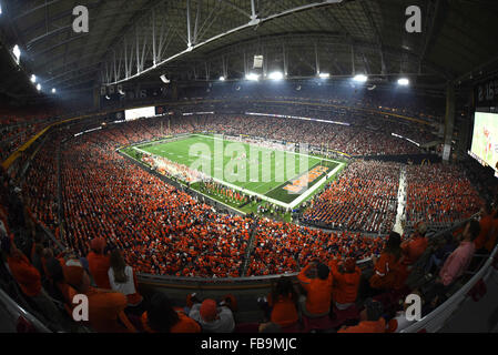 Glendale, AZ, USA. 11th Jan, 2016. An overall wide view of play during the 2016 College Football Playoff National - Stock Image